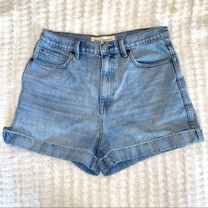 Gap Medium Wash Super High Rose Shorts